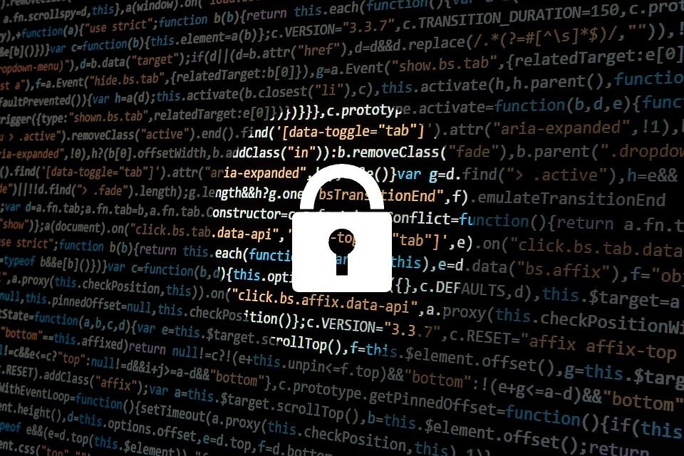 Королева Великобритании поможет борьбе с хакерами