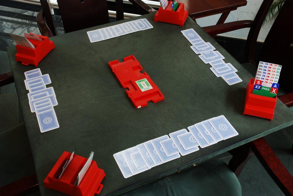 Турнир по карточной игре бридж