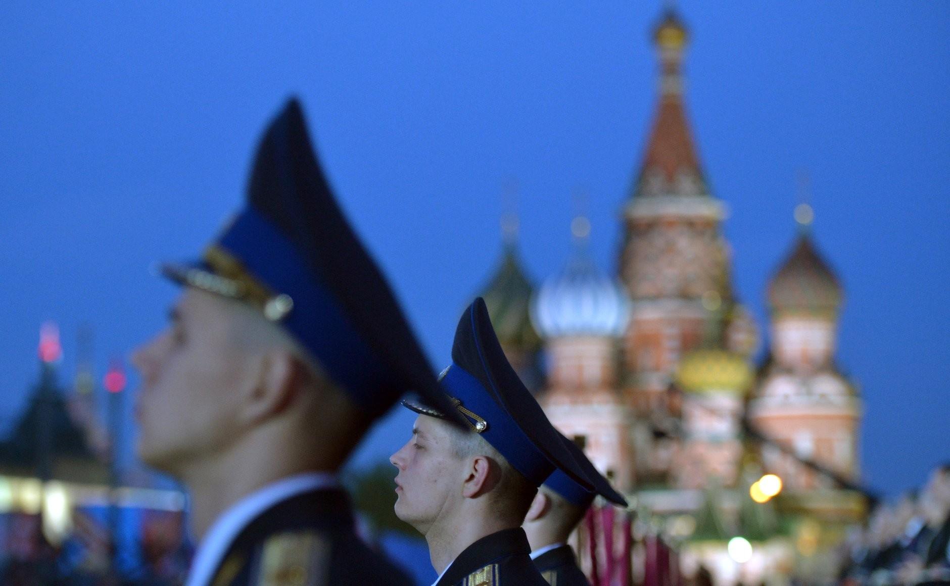 военные, Кремль