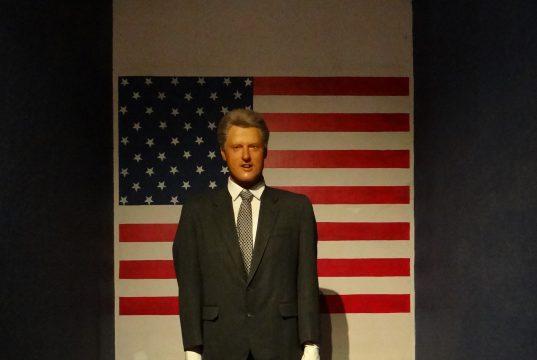 Восковая статуя молодого Билла Клинтона