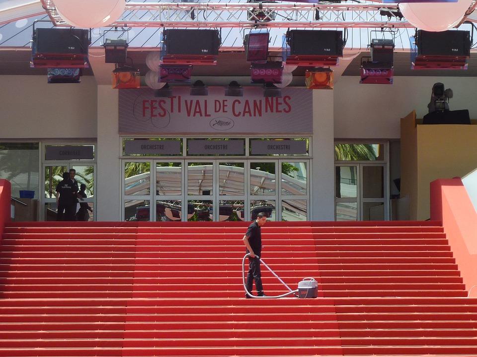 На Каннском фестивале будут участвовать фильмы, выходившие в прокат обязательно во французских кинотеатрах
