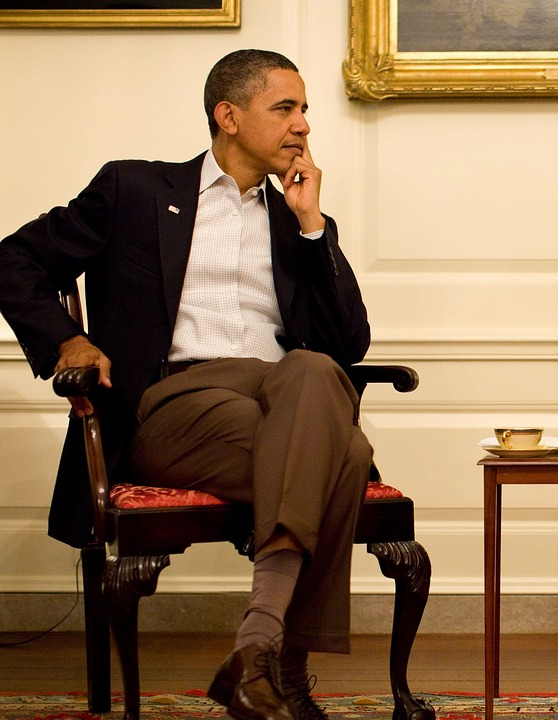 Обама осторожно возвратится вполитику и будет кассиром партии,