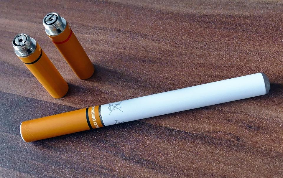 Посольство напомнило туристам из РФ о запрете электронных сигарет в Таиланде