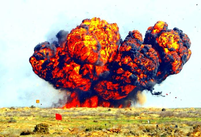 Взрыв фугаса http://3mv.ru