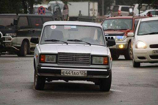 «Avito Авто»: белая LADA-седан— наиболее популярный 1-ый автомобиль у граждан России