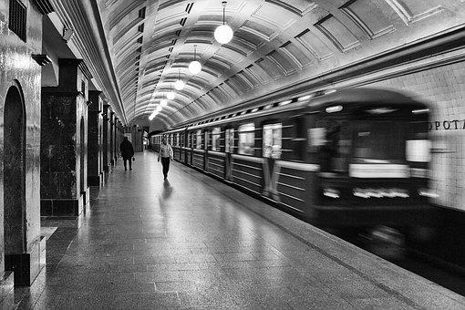 Вмосковском метро занялись кварцеванием воздуха ввагонах