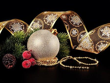 В2015-м году жители России выбирают неменее дорогие новогодние ёлки